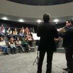 Foto de la actuación musical en la sala de coloquios DPE alicante 2013