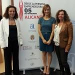Helena Colina y Elena González junto a nuestra presidenta Pilar Clemente
